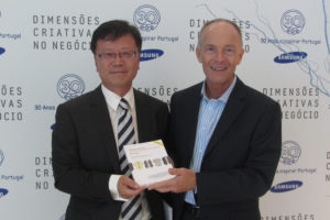 David Parrish international creative industries keynote speaker and consultant with Sam Lee, President of Samsung Portugal, at Samsung event.